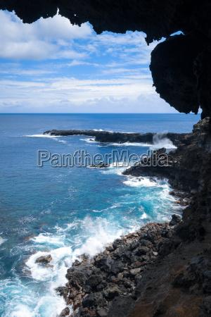 acantilados y paisaje del oceano pacifico