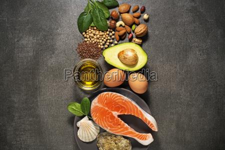 comida sana con salmon pescado