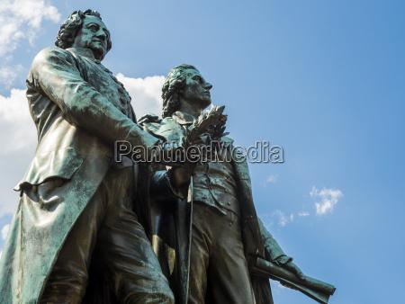 amistad paseo viaje historico monumento estatua