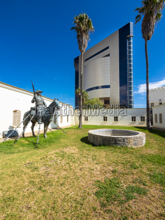 estatua escultura museo al aire libre