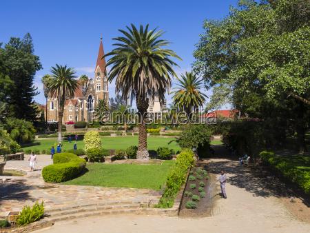 paseo viaje historico iglesia parque jardin