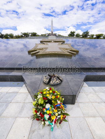 paseo viaje historico monumento memorial nube