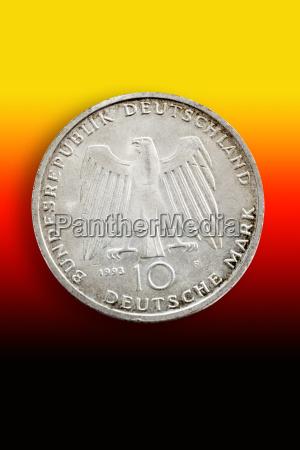 moneda dorado forma circulo financiero aleman
