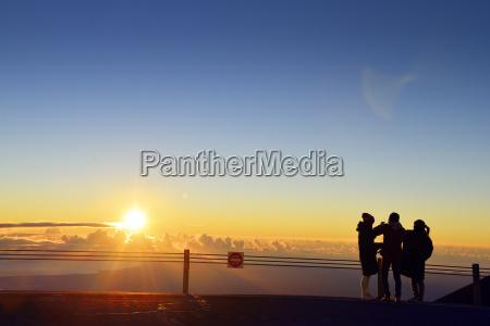 paseo viaje horizonte salida del sol