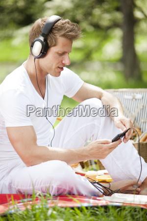 personas gente hombre musica relajacion parque