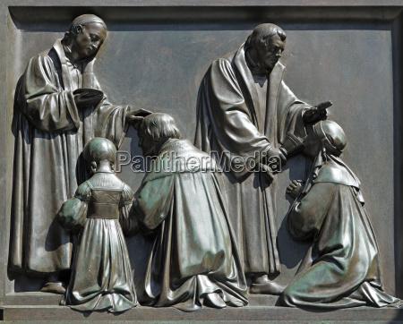alemania renania palatinado gusanos estatuas
