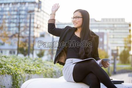 saludos ciudad relajacion gafas al aire