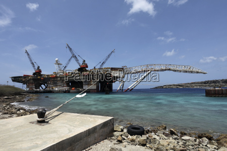 curacao willemstad oil rig under repair