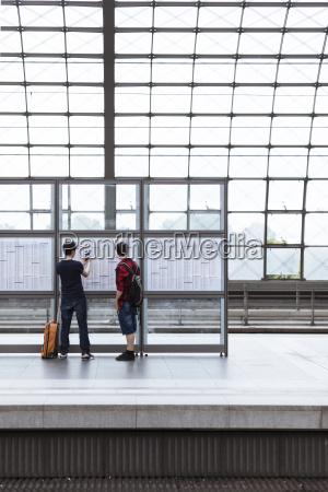 personas gente hombre amistad paseo viaje