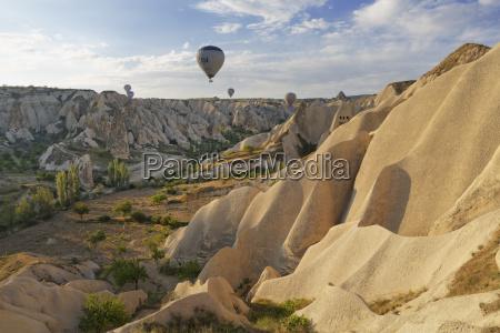 turkey cappadocia hot air balloons hoovering