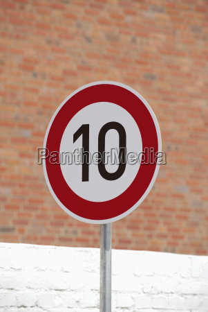 germany speed limit sign