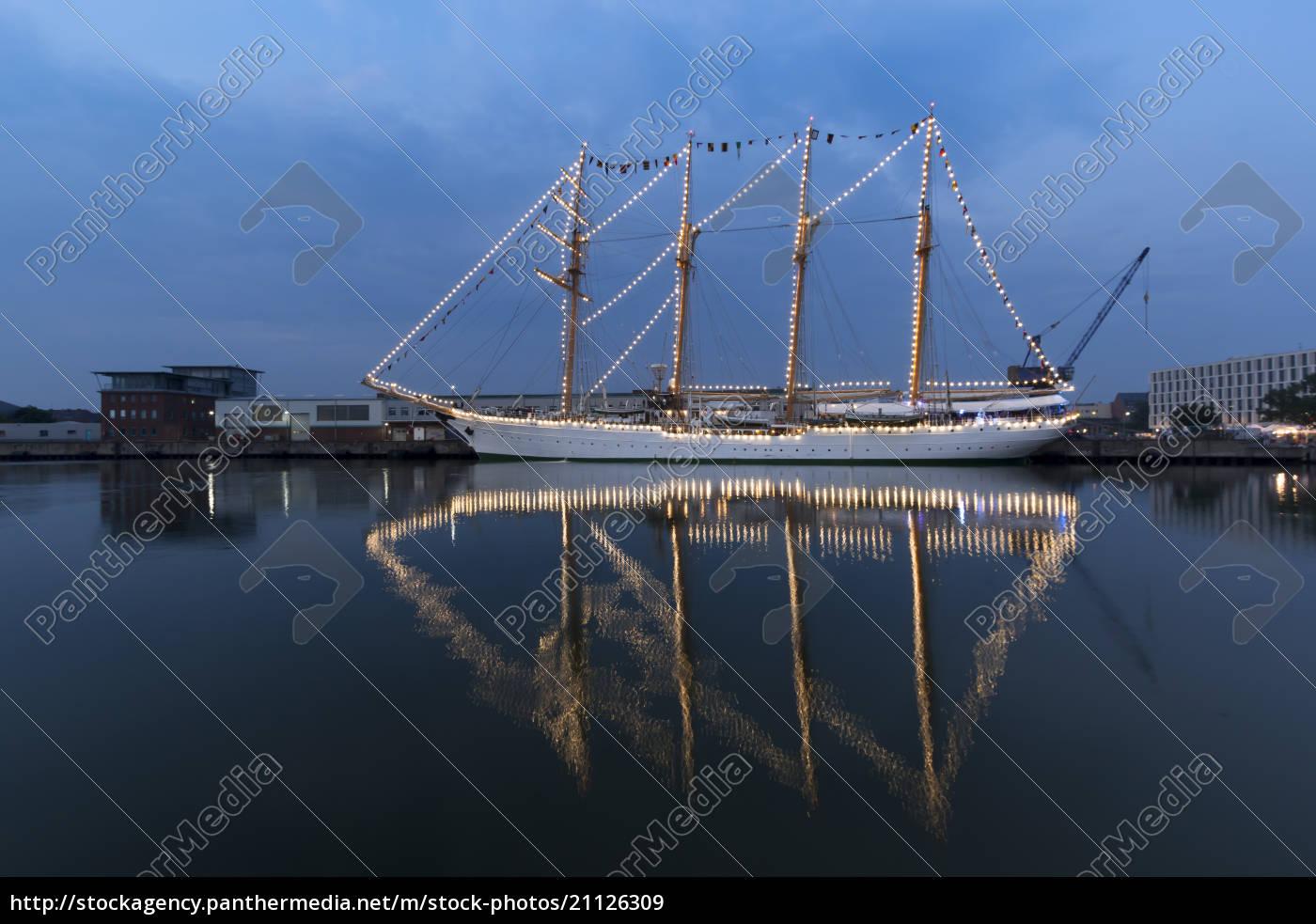 alemania, bremerhaven, velero, en, el, sail, 2015 - 21126309