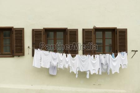 secado de ropa interior en una