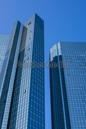 banco azul torre moderno reflexion luz