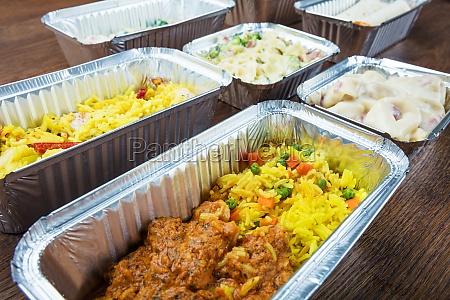 comida contenedor cena a los contenedores
