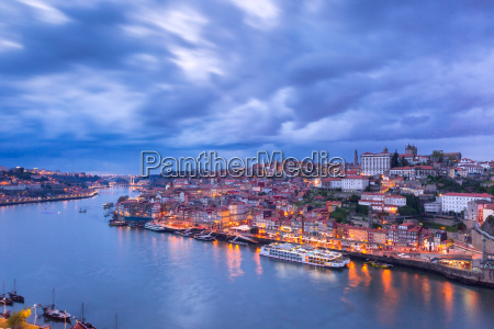 night old town and douro river