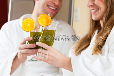 wellness couple with chlorophyll shake