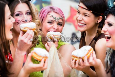 ninyas en el carnaval aleman de