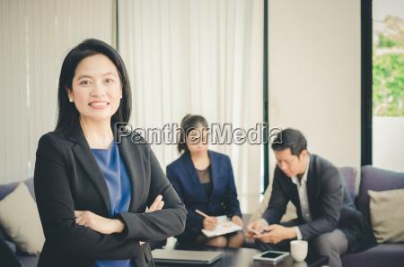 mujer hablar hablando habla charla personas