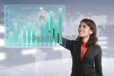 mujer de negocios asiatica tocando el