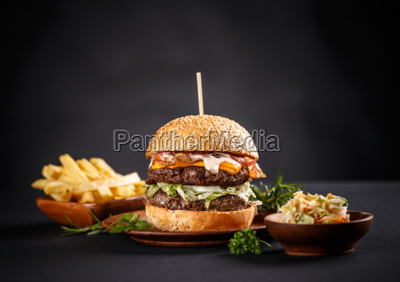 deliciosa hamburguesa de ternera a la