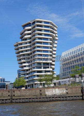 casa edificio de varios pisos construccion