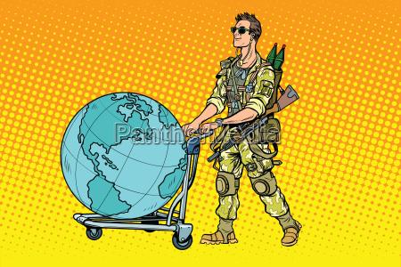 el turismo militar el mercenario con