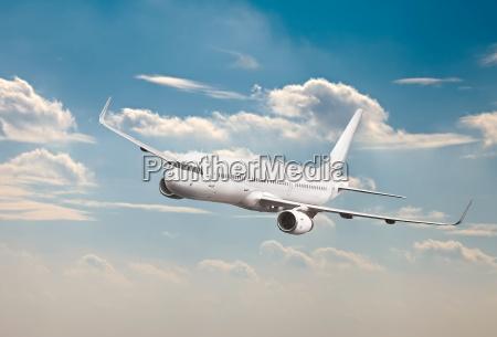 aviones de pasajeros en el aire