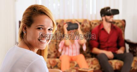 retrato feliz madre sonriente y familia