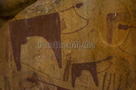 pinturas rupestres en las cuevas de