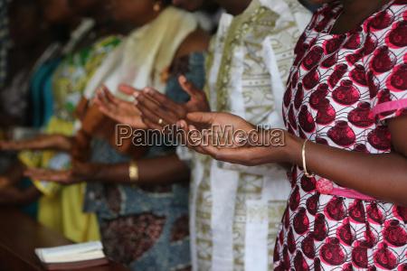 oracion domingo por la manyana misa