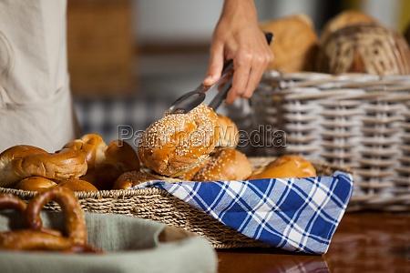 mujer comida pan trabajo frescura mercado