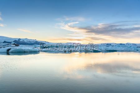 vista de icebergs en la laguna