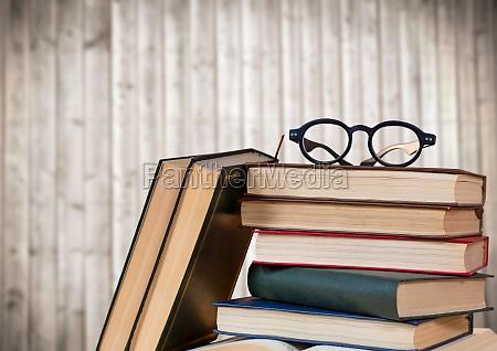 naturaleza muerta educacion madera comunicacion gafas