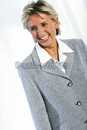 mujer azul risilla sonrisas blusa cara