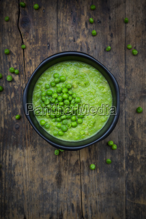 pea soup in bowl