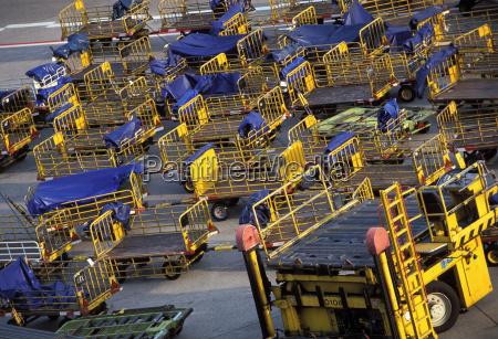 francfortcanyeria deu 27092003 aeropuerto carros vacios