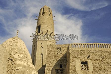 torre viaje historico historia iglesia existir