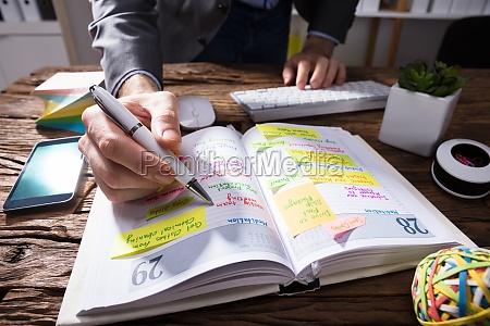 horario de escritura a mano del