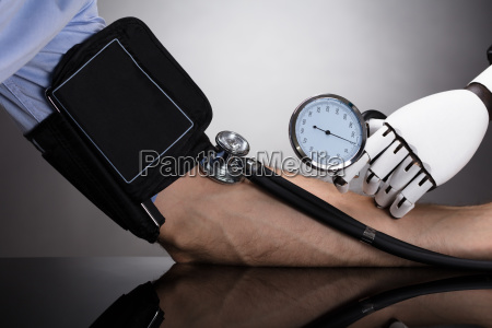 robot control de la presion arterial