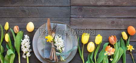table decoration with tulips and easter