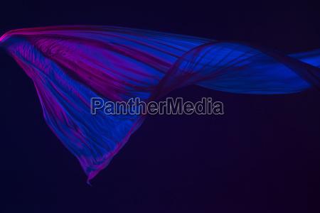 suave y elegante panyo azul transparente