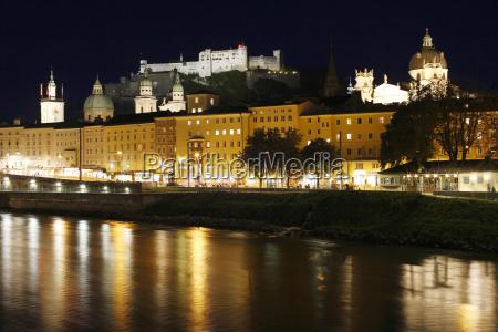 ciudad famoso conocido por encima catedral