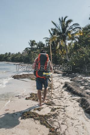 personas gente hombre ir paseo viaje