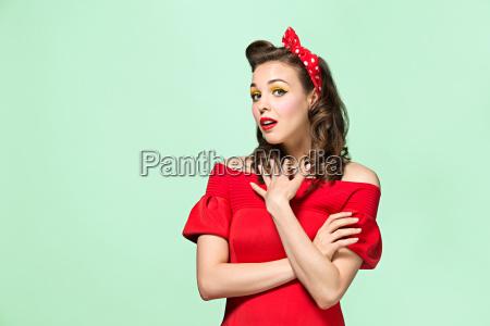smuk ung kvinde med pinup make