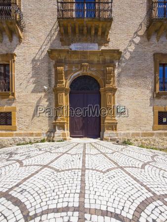 puerta gantry entrada europa desierto puertas