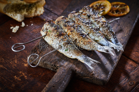 restaurante comida pan mesa madera pescado