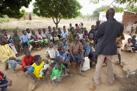 profesor educacion socialmente espacio africa disfrutar
