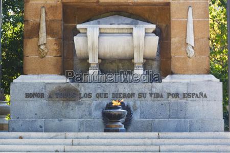 monumento, a, los, héroes, del, 2 - 25444526