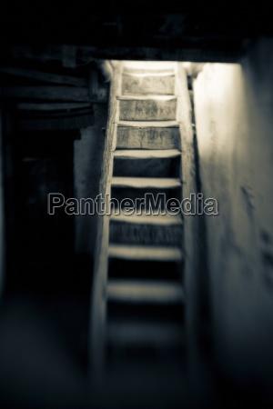 escalera objeto oscuridad so india al